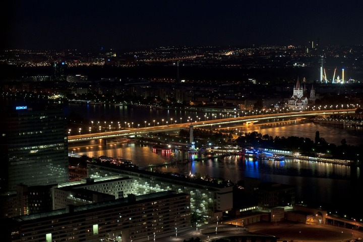 empire-bridge-vienna