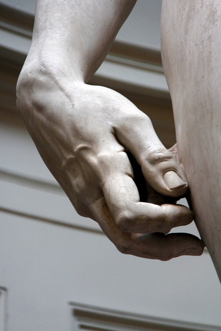 Detalhe da mão de Davi