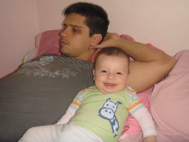 Com Samuel no quartinho da casa da portuguesa