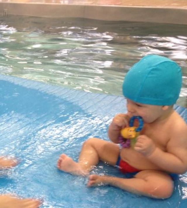 Samuel na natação
